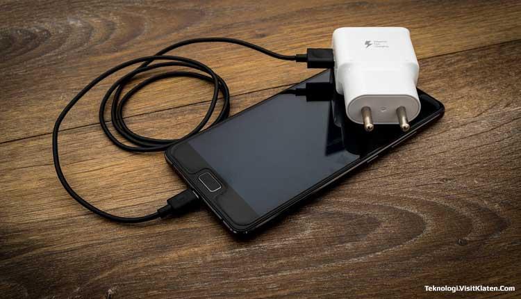 Apakah Charging Semalaman Membuat Smartphone Rusak